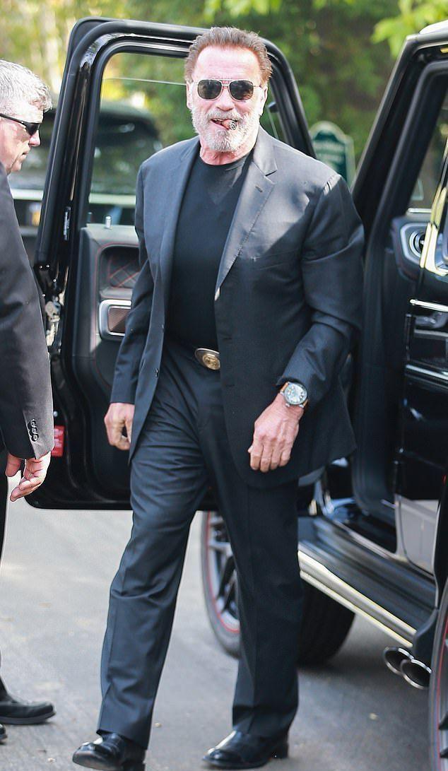 Арнольд Шварценеггер теряет волосы и ему все сложнее скрывать растущую лысину на макушке
