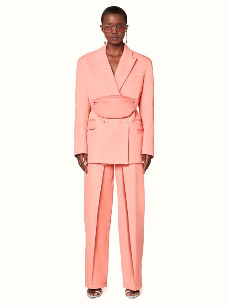 Rihanna запустила роскошный модный бренд Fenty в Париже