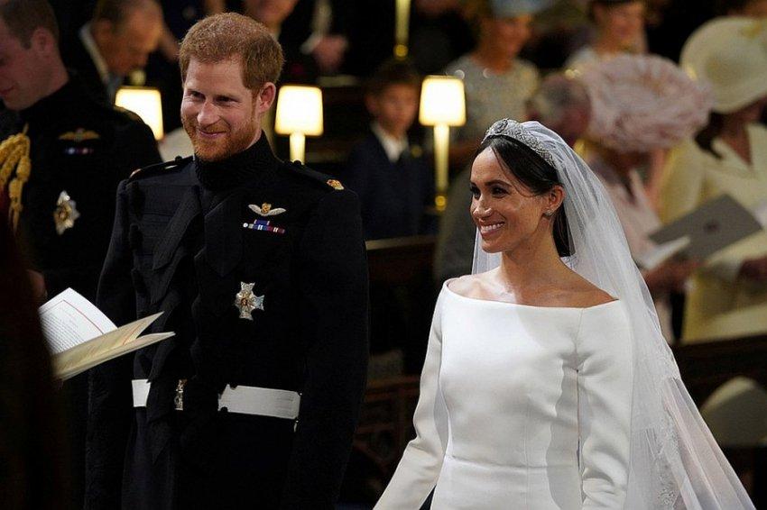 Меган - охотница за богачами, Кейт - служанка мужа: какие тайны скрывает Букингемский дворец