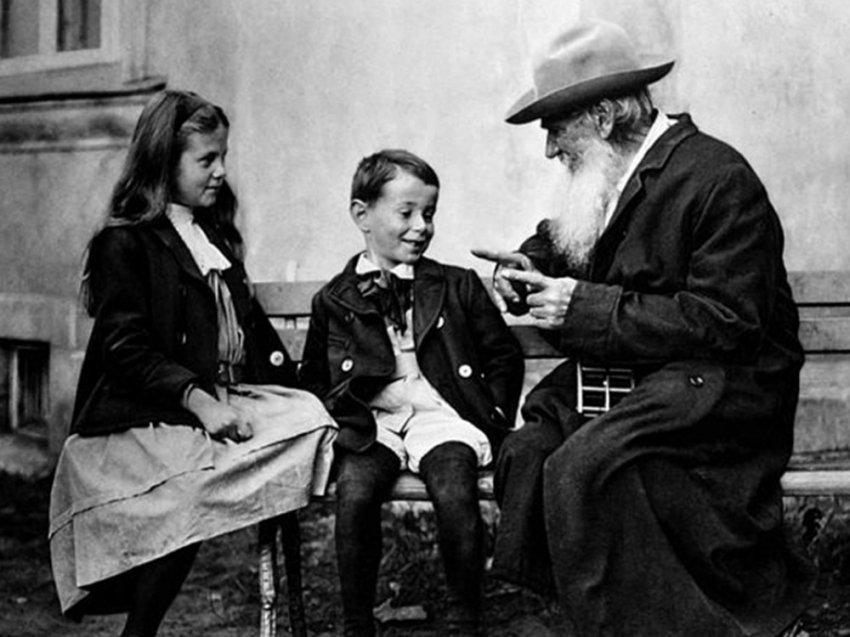 Создатель «Войны и мира» о правильном воспитании детей