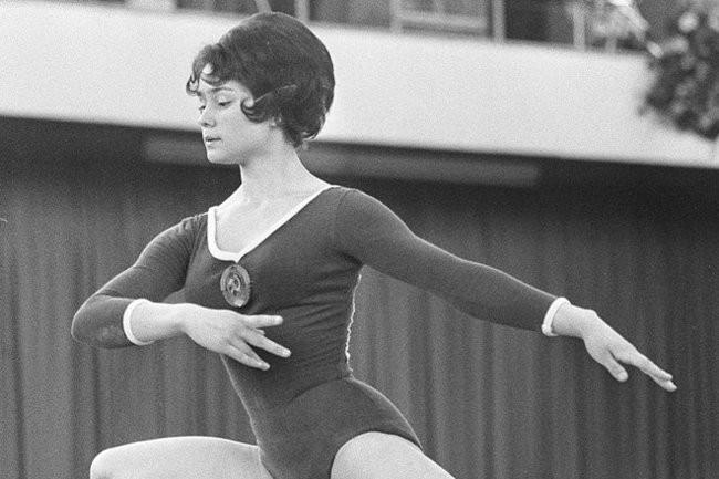 Звезда, упавшая на дно стакана: слава и трагедия гимнастки Зинаиды Ворониной