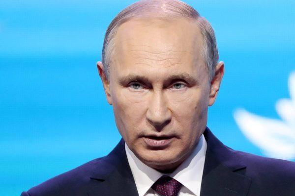 Стало известно, сколько россиян поддерживают Путина