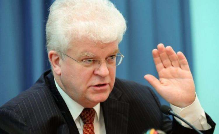 Отправить на пенсию предложили россияне дипломата за слова о том, что им не нужен безвизовый режим с Европой