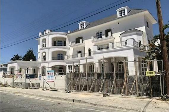 Журналисты нашли фото кипрского замка Пугачевой и Галкина