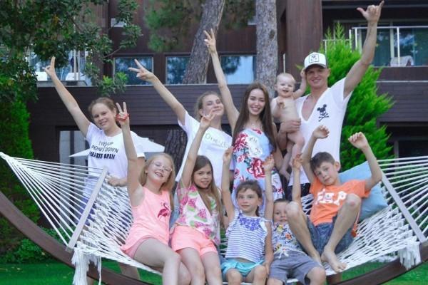 Дмитрий Тарасов впервые за долгое время увиделся с дочерью от первого брака