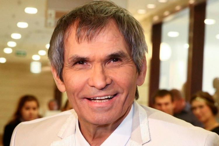 Перепутал сок и «крот»: Бари Алибасов попал в реанимацию