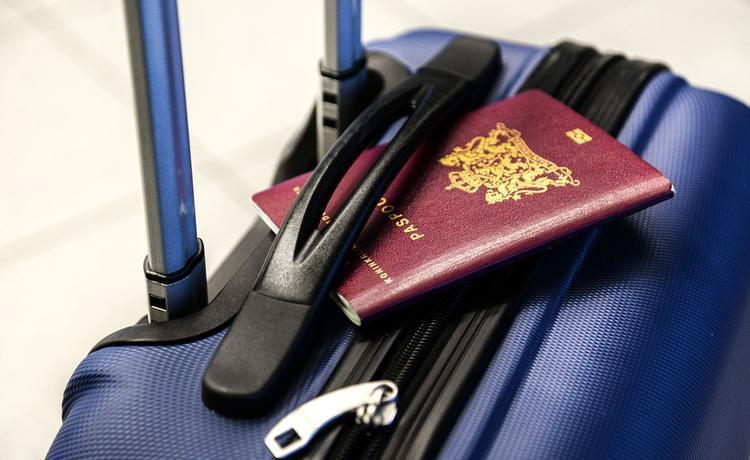 Российским полицейским разрешили отдыхать еще в двух заграничных странах