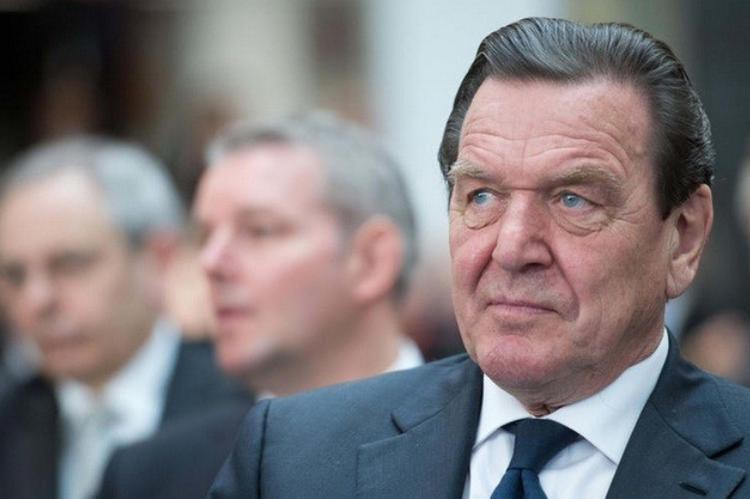 Герхар Шредер признал Крым российской территорией