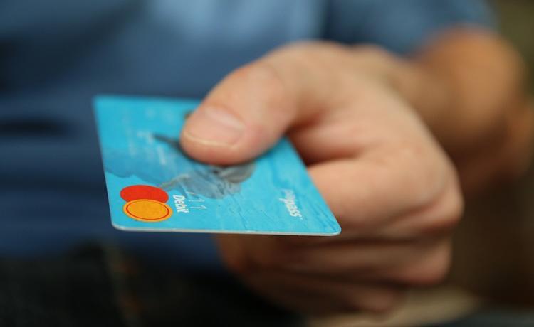 417 000 случаев воровства денег с банковских карт за год - как не попасться мошенникам и какие методы они используют