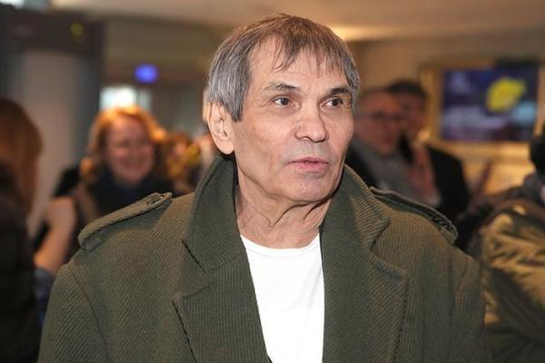 Потерявшего память Алибасова вывезли из больницы в