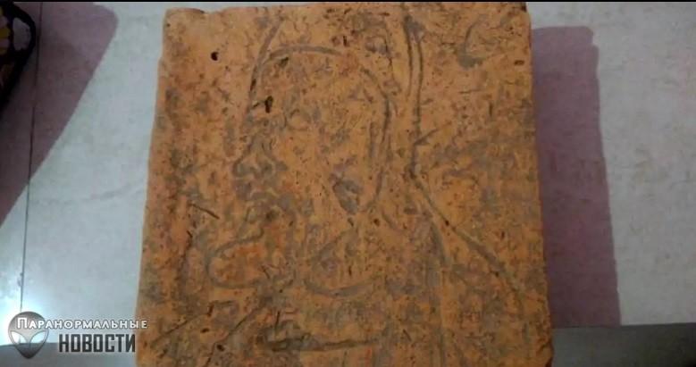В Индии археологов выгнали с раскопок после обнаружения древнего рисунка «бородатого иностранца»