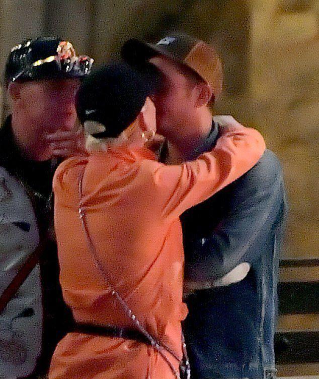Орландо Блум не скрывает, что ему наскучила Кэти Перри со своими поцелуями и объятиями