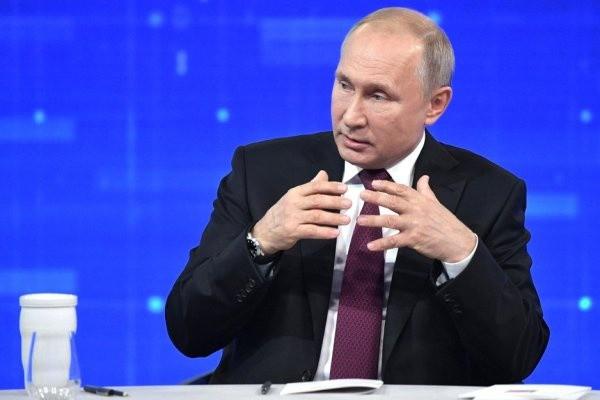 Россияне возмущены ответом Путина насчет зарплат чиновников