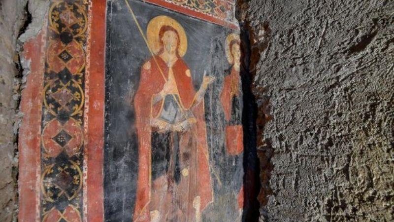 Фреска с Иисусом Христом возрастом 900 лет: удивительная находка в Италии