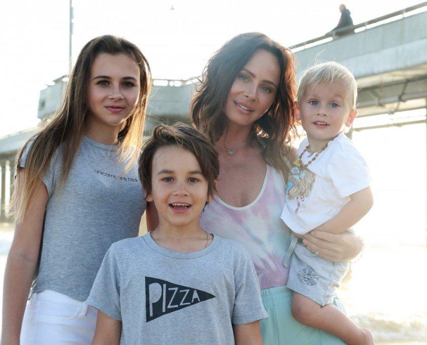 Благотворительность Анны Седоковой вызвала упрёки со стороны певицы Саши Зверевой