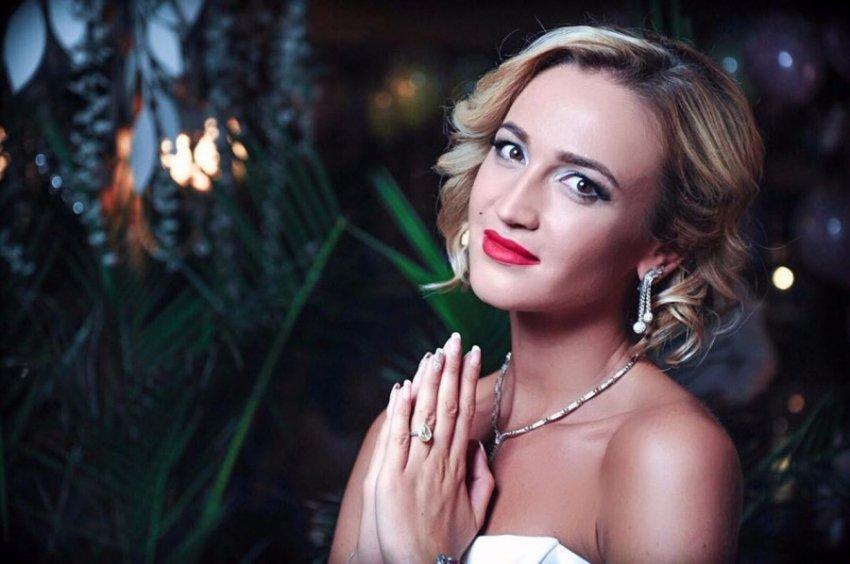 Бузову раскритиковали за странную рифму в ее новой песне