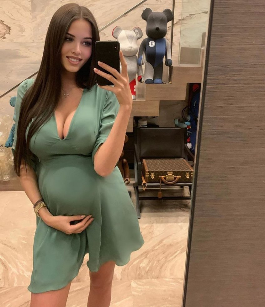 Поклонники Тимати предполагают, что ребенка от Решетовой будет снова воспитывать бабушка