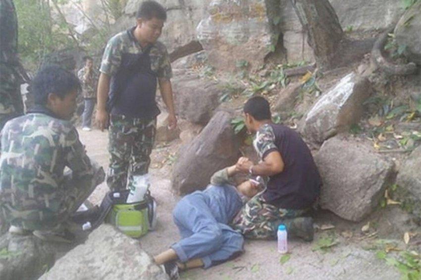 Мужчина столкнул беременную жену с 34-метровой скалы