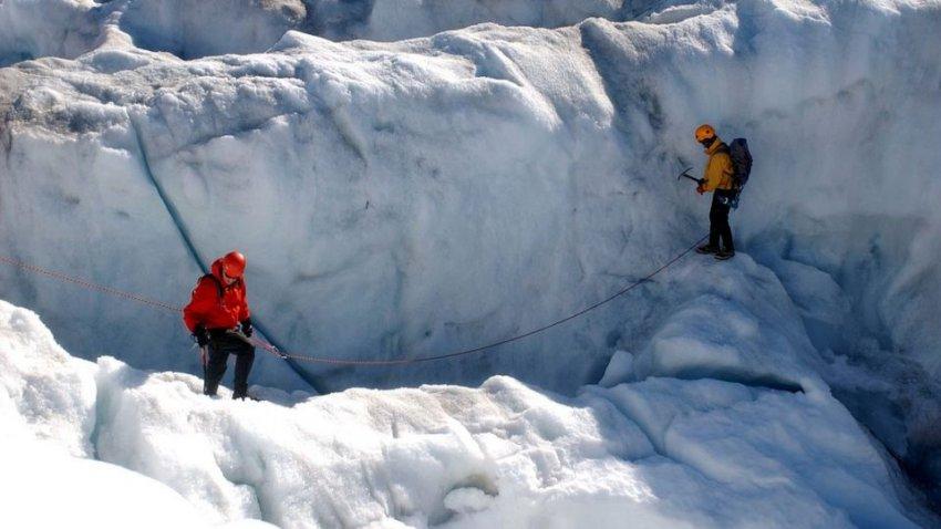 В Гренландии тают льды: метеорологи забирают оборудование