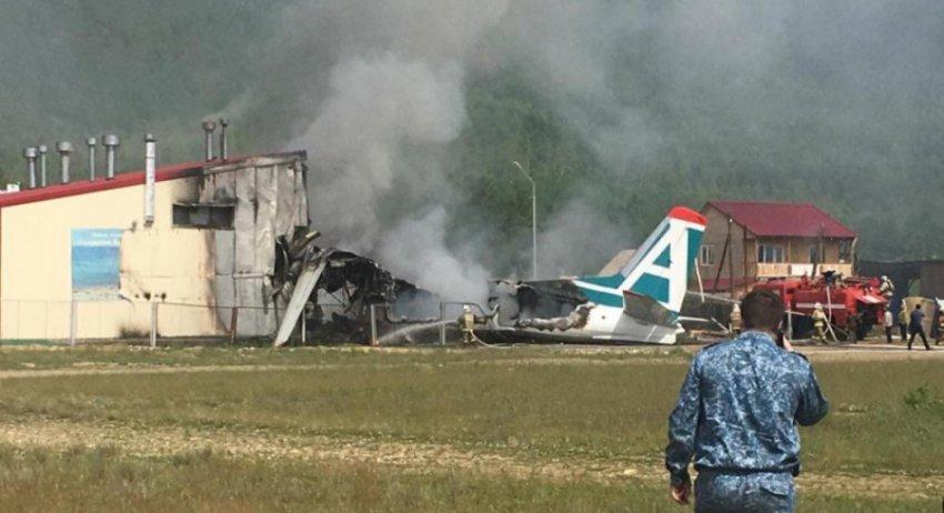 Пассажир снял крушение самолета Ан-24 в Бурятии