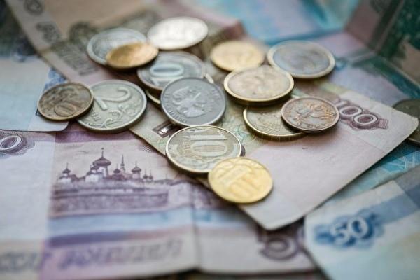 Россиянам начнут снижать зарплату в ускоренном порядке