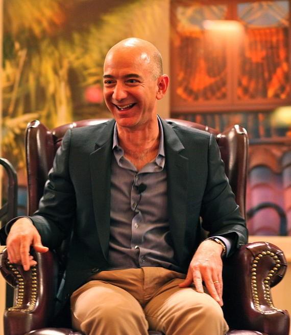 Самый богатый в мире человек стал холостяком, но не перестал быть самым богатым