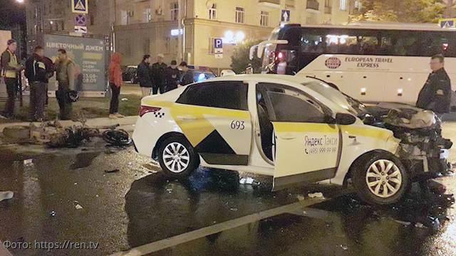 Сын известной поэтессы Татьяны Маруговой погиб в страшном ДТП в центре Москвы