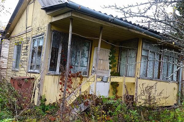 Особняк, который Никита Панфилов оставил бывшей жене и сыну, оказался деревянным сараем