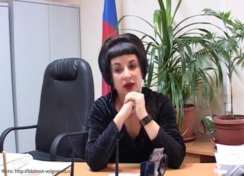В Волгограде при падении с 15-го этажа погибла судья, которая вела резонансные дела