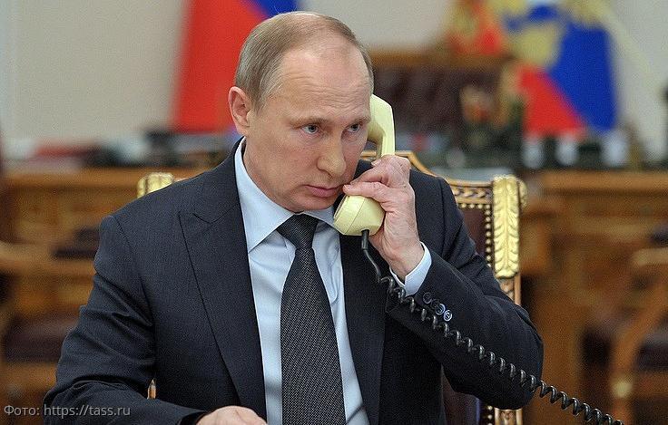 Путин поговорил с Зеленским по телефону