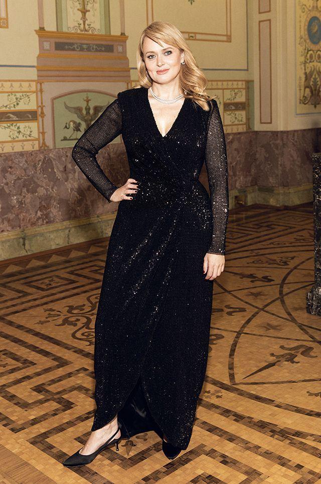 Анна Михалкова с помощью подводки стала красавицей, а у Виктории Шеляговой «поплыли» глаза