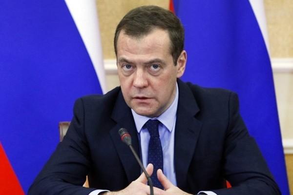 Медведев рассмешил россиян новой угрозой