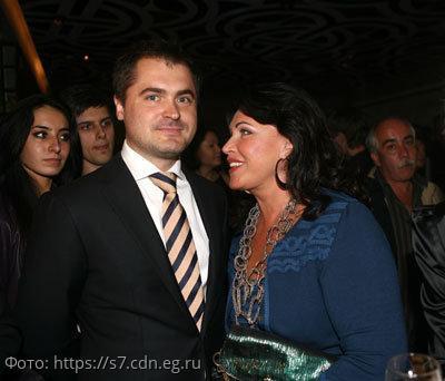 Подписчики Бабкиной считают, что ее избранник годится ей в сыновья