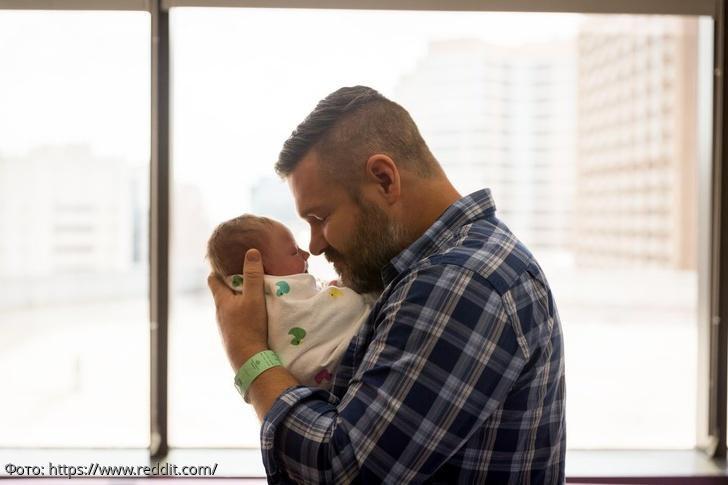 10 фотографий отцов, которые не сдержали эмоции, когда увидели своего новорожденного ребенка