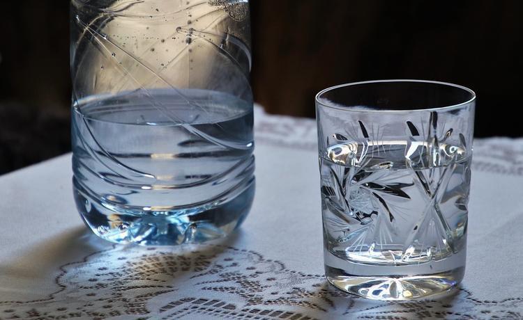Цены на питьевую воду возмутили Госдуму: «Питьевая вода - не роскошь, а необходимость»