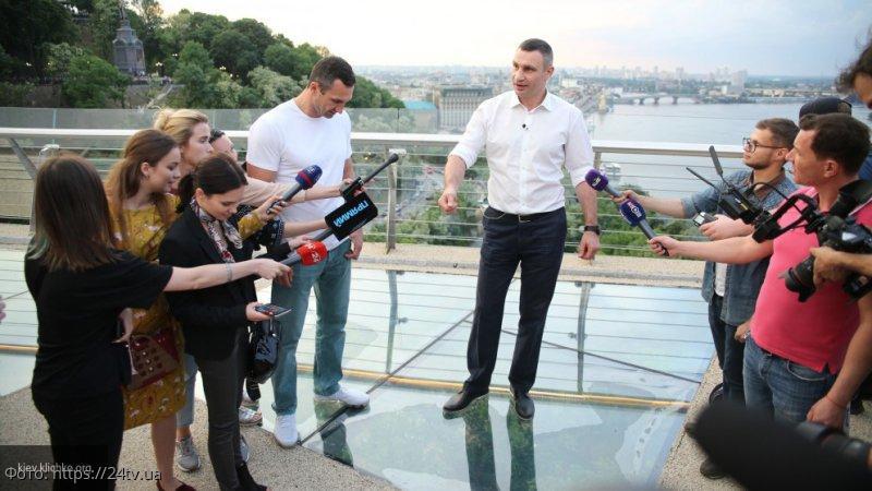 Президент Украины потребовал уволить Кличко