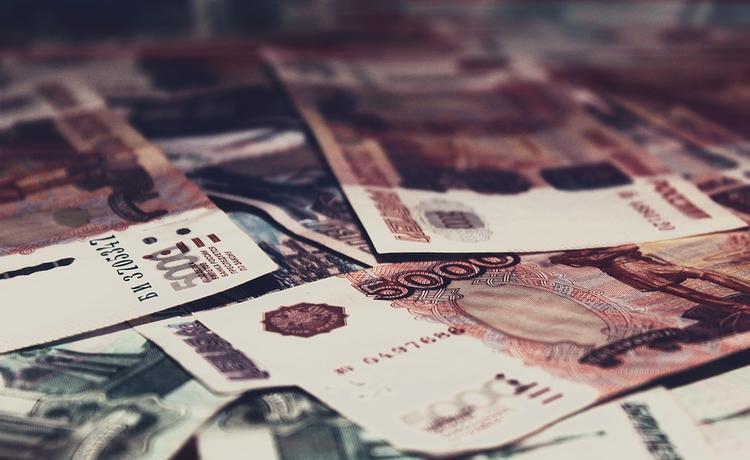 Россияне узнали размер пенсий чиновников