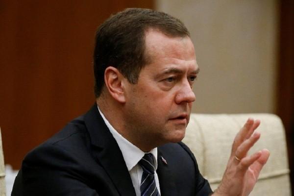 Медведева разозлило высказывание хабаровского губернатора о ЧП в лагере