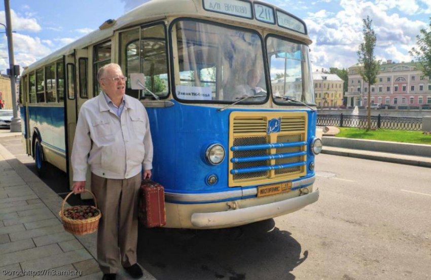 Владимир Жириновский вспомнил, как впервые приехал в Москву 55 лет лет назад