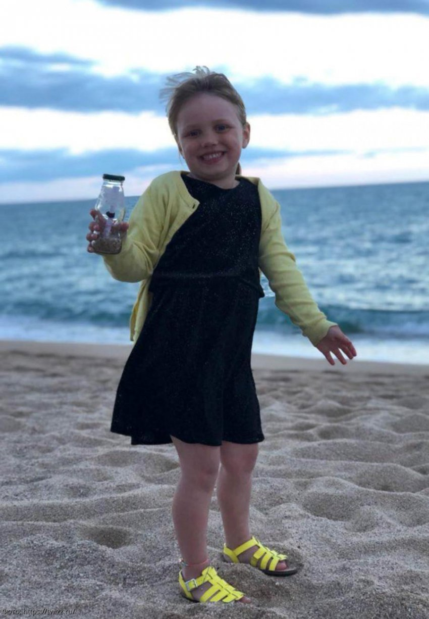 Девочка бросила бутылку с письмом в море в Испании, а ответ пришел из Москвы
