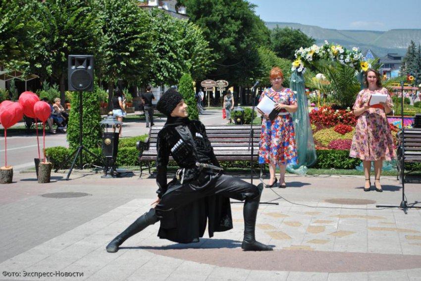 Концерт «Любовь не знает убыли и тлена» прошел на Курортном бульваре в Кисловодске