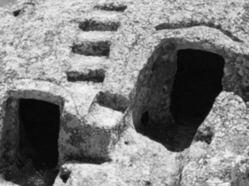 Древние сооружения: Подземные убежища катакомбного типа