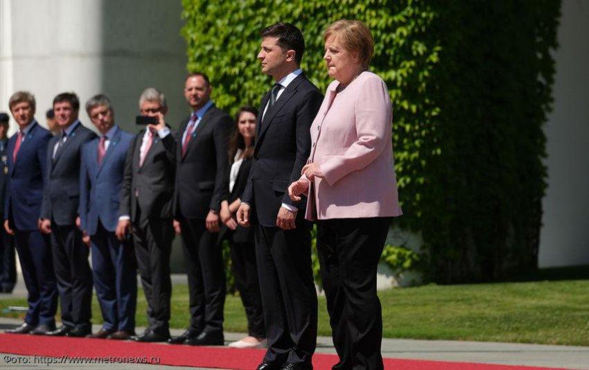 Мировая общественность обеспокоена состоянием здоровья Меркель