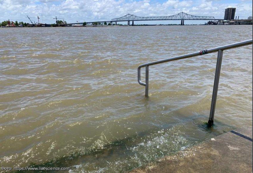 Новый Орлеан готовится к интенсивным наводнениям, которые принесет тропический шторм Барри