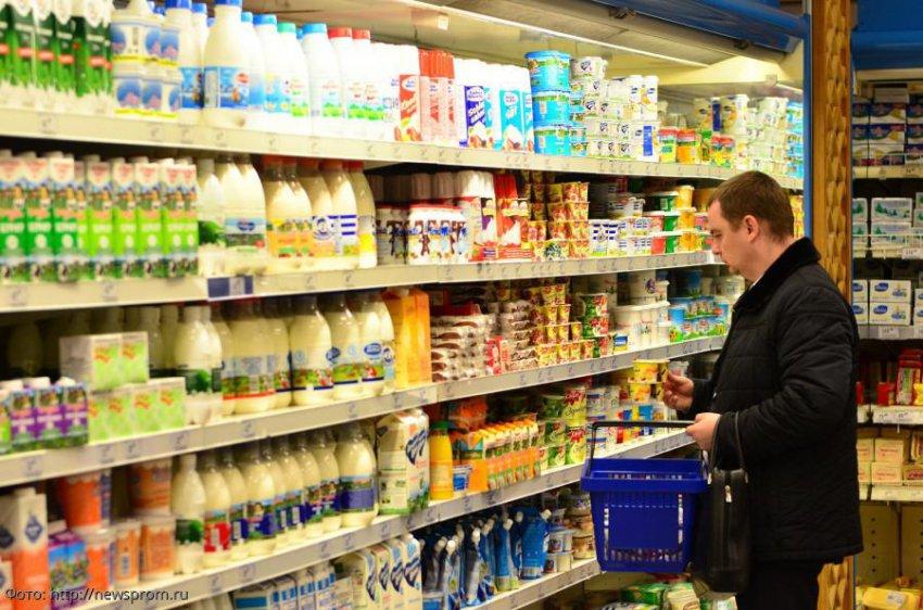 Россияне начали тратить на продукты больше трети своих доходов
