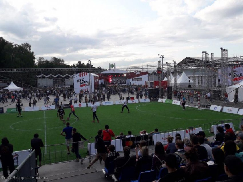 В Москве прошел фестиваль музыки и спорта KFC BATTLE
