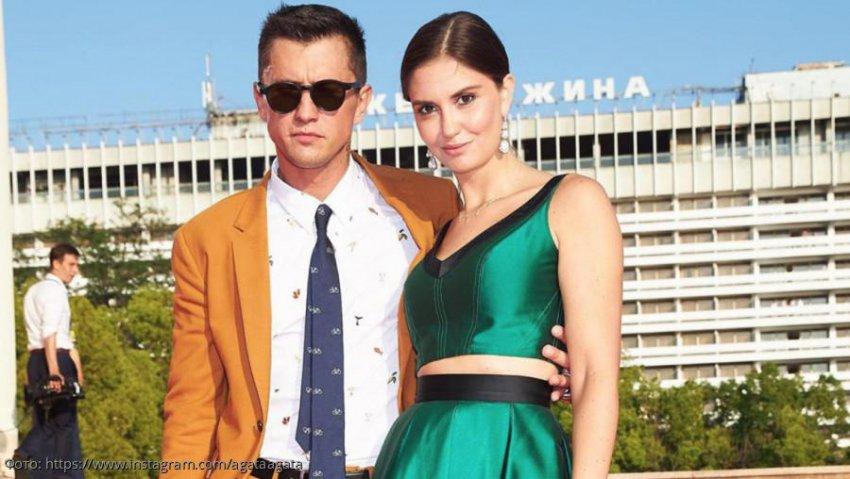 Агата Муцениеце обнаружила мужа в бассейне с актрисой Екатериной Шпицей