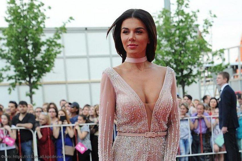 Анна Седокова призналась, что миллиона в месяц ей недостаточно