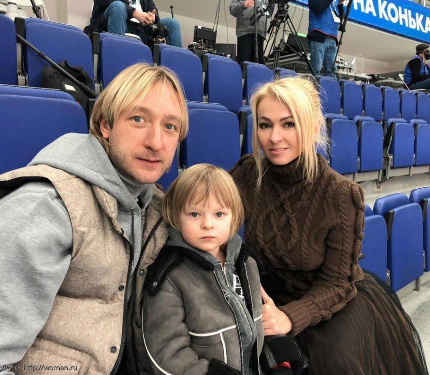 Сына Яны Рудковской и Евгения Плющенко увезли с тренировки на скорой