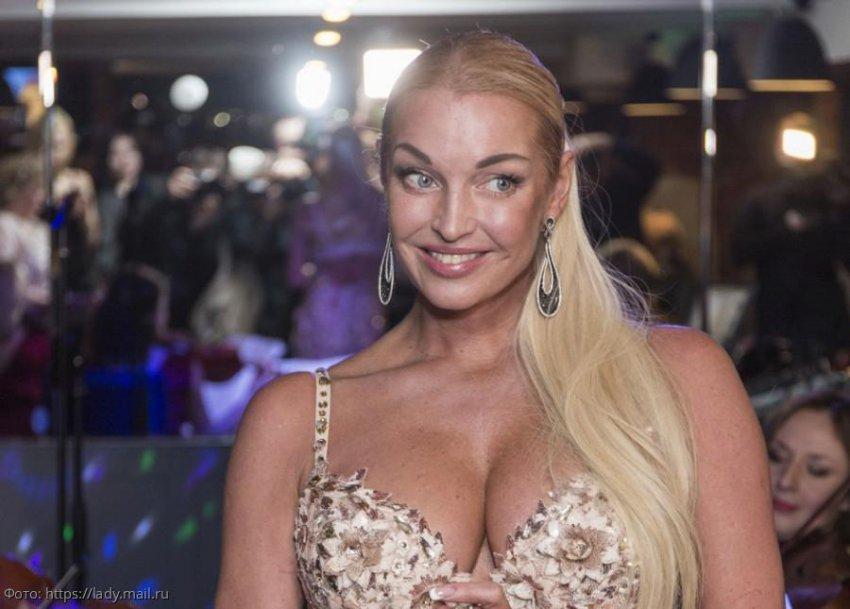 Анастасия Волочкова намекнула на скорую свадьбу